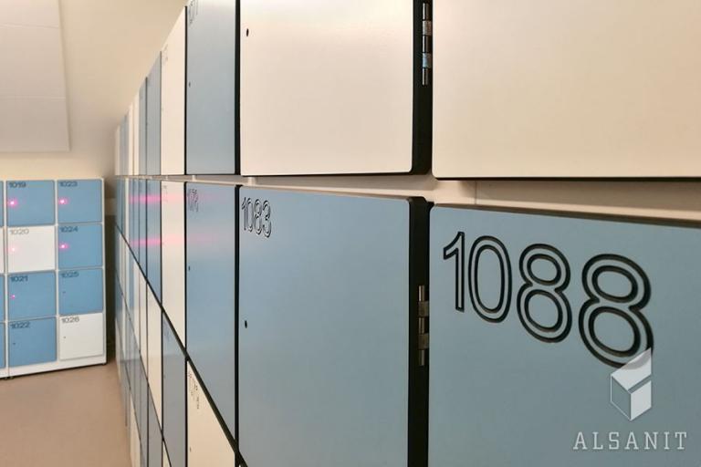 metalowe szafki do szkoły